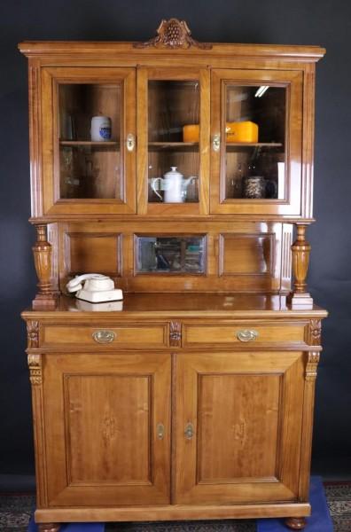 Antiker Kirschbaum Küchenschrank aus dem Jugendstil um 1900
