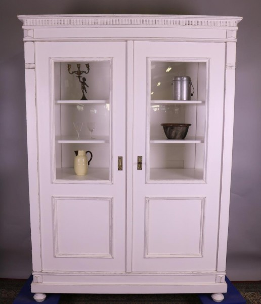 Antike Vitrine restauriert shabby-chic, used-look um 1900