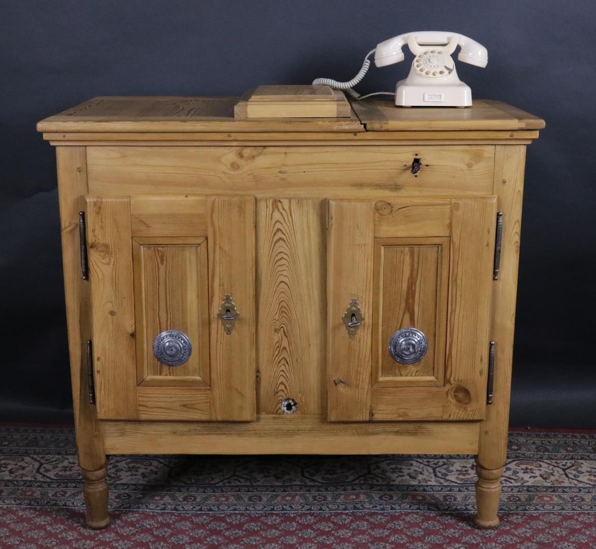 Kuhlschrank eisschrank antik biedermeier um 1870 for Zweitüriger kühlschrank