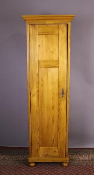 Antiker Besenschrank eintürig Weichholz um 1900