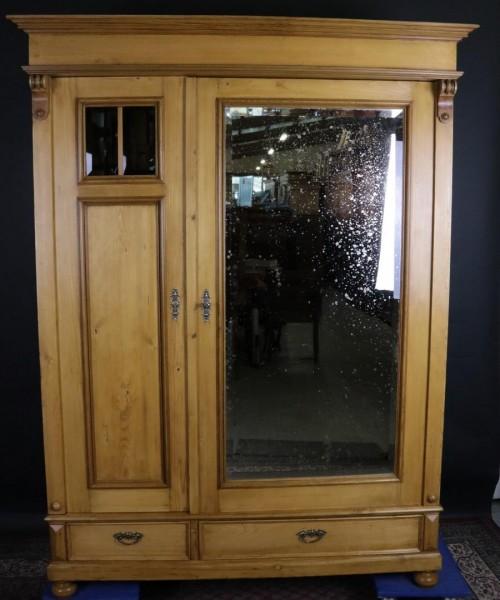 Antiker Schrank Weichholz mit Spiegel und Schubladen