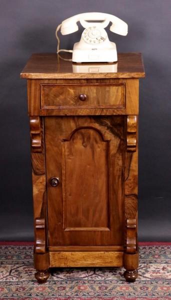 Nachttisch Nußbaum Louis Philippe um 1870 Antike Möbel