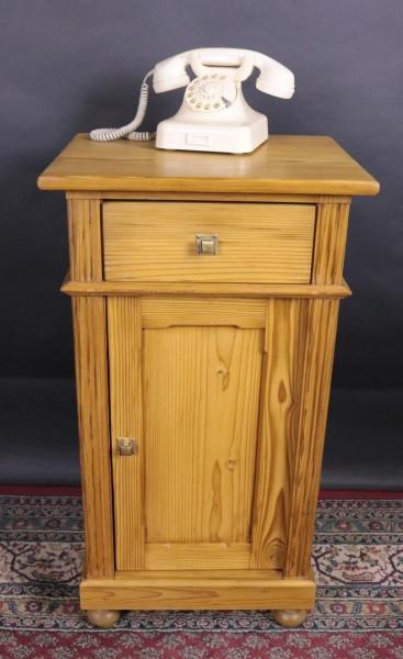 Antiker Spätbiedermeier Nachttisch aus Weichholz