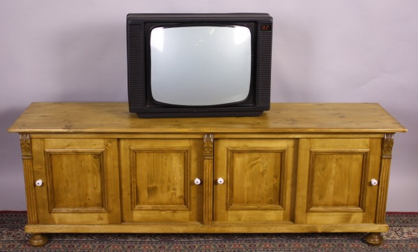 Reproduktion TV-Kommode Möbel auf Maß
