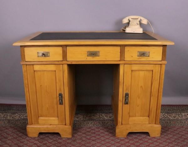 Antiker Schreibtisch Weichholz um 1900 gebaut