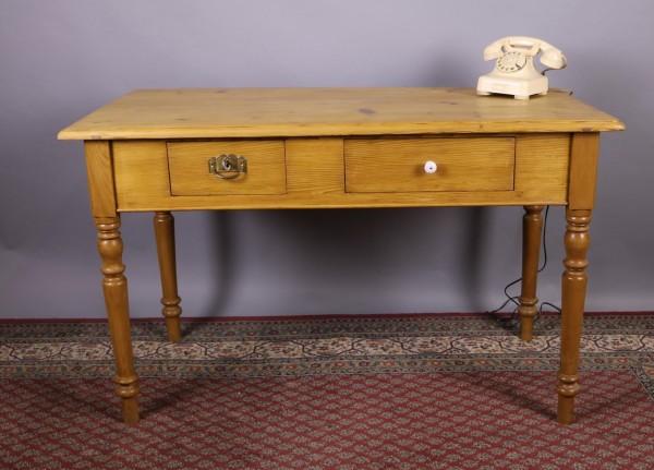 Antiker Weichholz Tisch mit zwei Schubladen