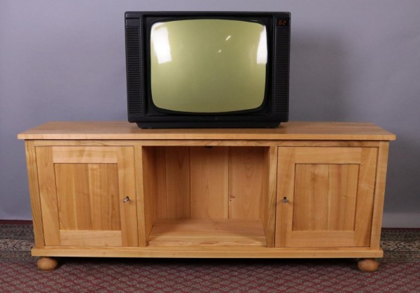 TV-Anrichte massiv Kirschbaum runde Füße