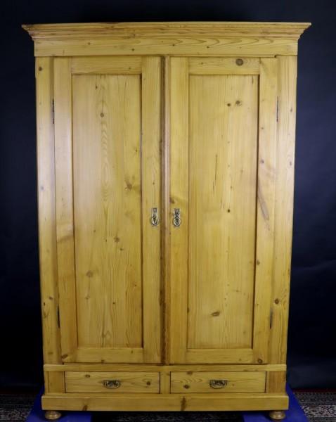 Antikschrank helles Holz / Weichholz mit Schubladen ca. 1870 gebaut