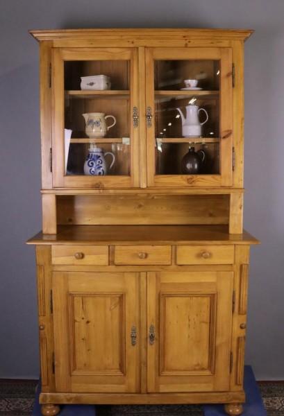 Antiker Küchenschrank aus Weichholz um 1860 gebaut