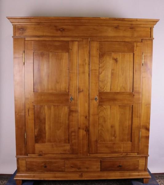 Antiker, großer Kirschbaumschrank Biedermeier mit Schubladen