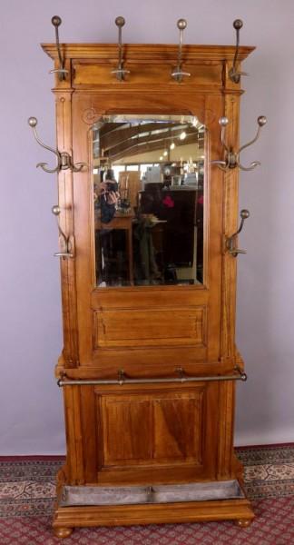 Antike, seltene Garderobe aus Nussbaum 1910
