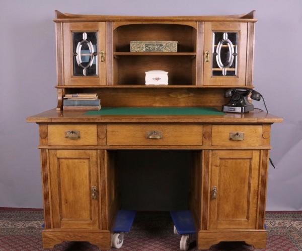 Antiker Eiche Schreibtisch aus der Zeit um 1910